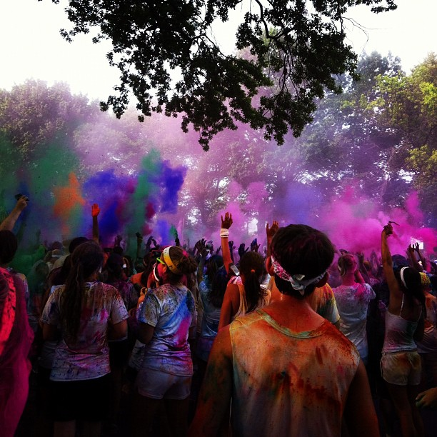 The Color Run is a one of a kind experience that is less about speed and more about enjoying a color crazy day with your friends and family. Our events, are all about people of all different speeds, ages, shapes, and sizes toeing the start 0zu1.gq Date: Jul 08,