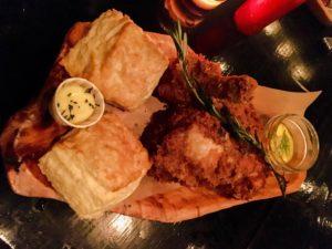 Bud & Marilyn's fried chicken platter